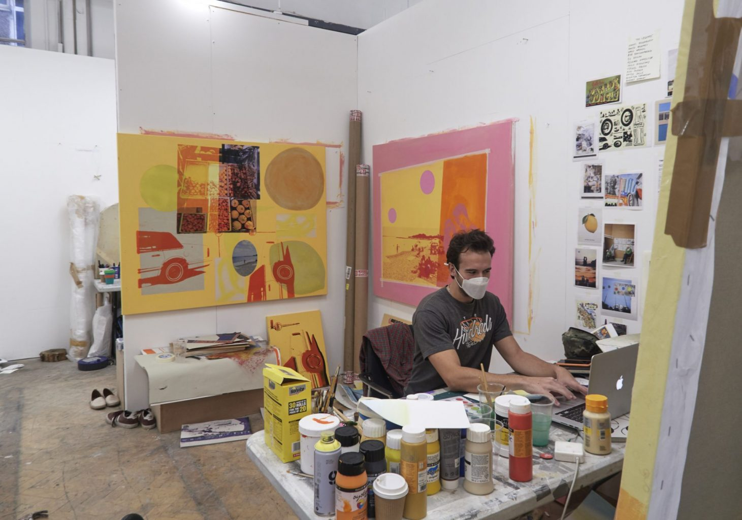 How can an Art School function during a global pandemic? - MA Fine Art student in studio